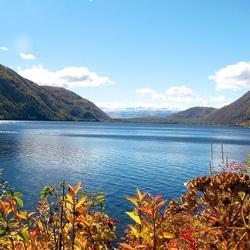 Пазл онлайн: Блики солнца на озере