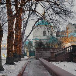 Пазл онлайн: Московский дворик