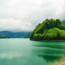 Пазл онлайн: Зеленый остров