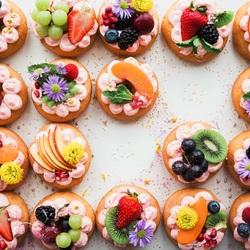 Пазл онлайн: Маленькие пирожные
