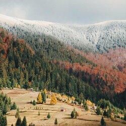 Пазл онлайн: Снег на вершинах  Карпат