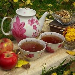 Пазл онлайн: Осеннее чаепитие