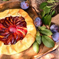 Пазл онлайн: Сливовый пирог