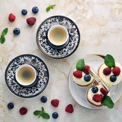 Пазл онлайн: Кофе и пирожные
