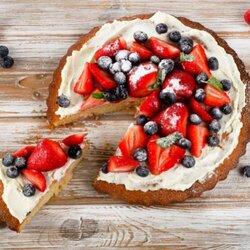 Пазл онлайн: Клубничный пирог