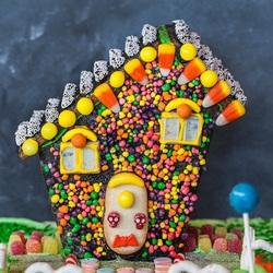 Пазл онлайн: Хэллоуинский пряничный домик
