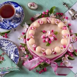 Пазл онлайн: Торт с чаем