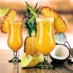 Пазл онлайн: Коктейль с ананасами и шампанским