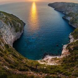 Пазл онлайн: Рассвет над морем