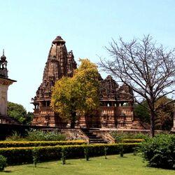 Пазл онлайн: Храмовый комплекс в Кхаджурахо