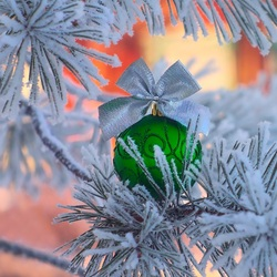 Пазл онлайн: Зелёный шарик