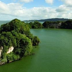Пазл онлайн: Зелено-серое море