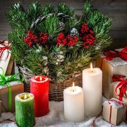 Пазл онлайн: Свечи и подарки