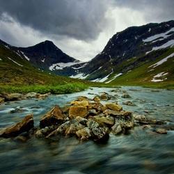 Пазл онлайн: Поток горной реки