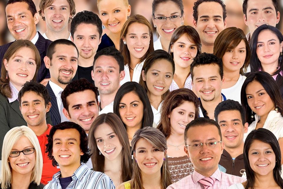 Картинка с лицами разных национальностей