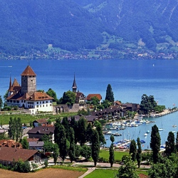 Пазл онлайн: Озеро Тун. Швейцария