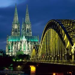 Пазл онлайн: Кельнский собор и мост Гогенцоллернов