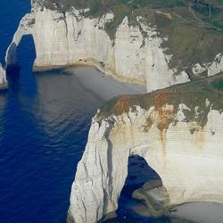 Пазл онлайн: Скалистый берег Этрета. Франция