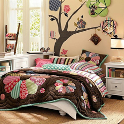 Пазл онлайн: Спальня в стиле пэчворк