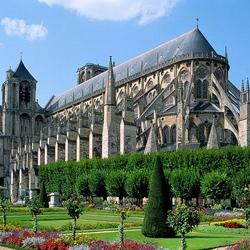 Пазл онлайн: Собор Святого Этьена в городе Бургс. Франция