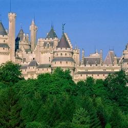 Пазл онлайн: Замок Пьерфон. Франция
