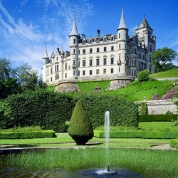 Пазл онлайн: Замок в Шотландии