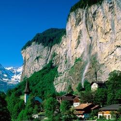 Пазл онлайн: Водопад в Лаутербруннен. Швейцария