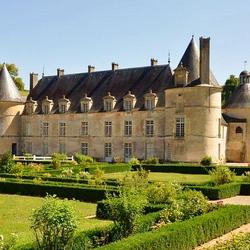 Пазл онлайн: Замок Бюсси-Рабутен. Франция