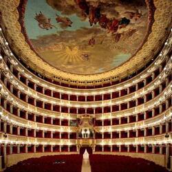 Пазл онлайн: Оперный театр Сан-Карло (Teatro di San Carlo), Неаполь, Италия