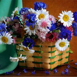 Пазл онлайн: Корзинка цветов