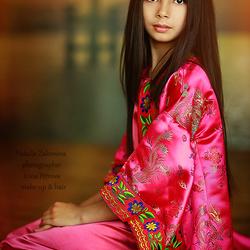 Пазл онлайн: Девочка в китайском костюме