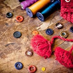 Пазл онлайн: Пуговицы и нитки