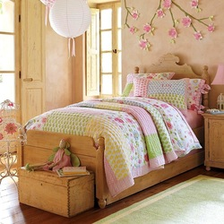 Пазл онлайн: Кроватка для дочки