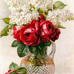 Пазл онлайн: Розы и сирень в стеклянной вазе