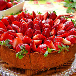 Пазл онлайн: Клубничный тортик