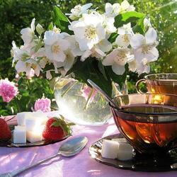 Пазл онлайн: Весенний натюрморт с чаем