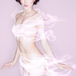 Пазл онлайн: Платье из ветра
