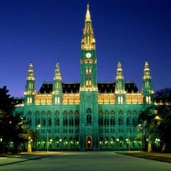 Пазл онлайн: Венская ратуша ночью