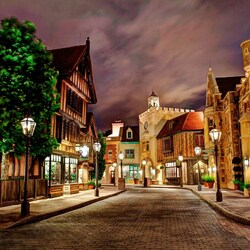 Пазл онлайн: Ночная улица в Диснейленде