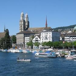 Пазл онлайн: Цюрих. Вид на Гроссмюнстер