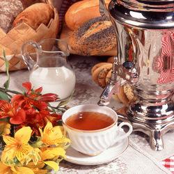 Пазл онлайн: Чай, цветы и выпечка