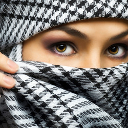 Пазл онлайн: Эти глаза напротив
