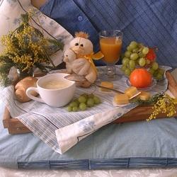 Пазл онлайн: Завтрак в постель