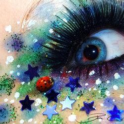 Пазл онлайн: Креативный макияж