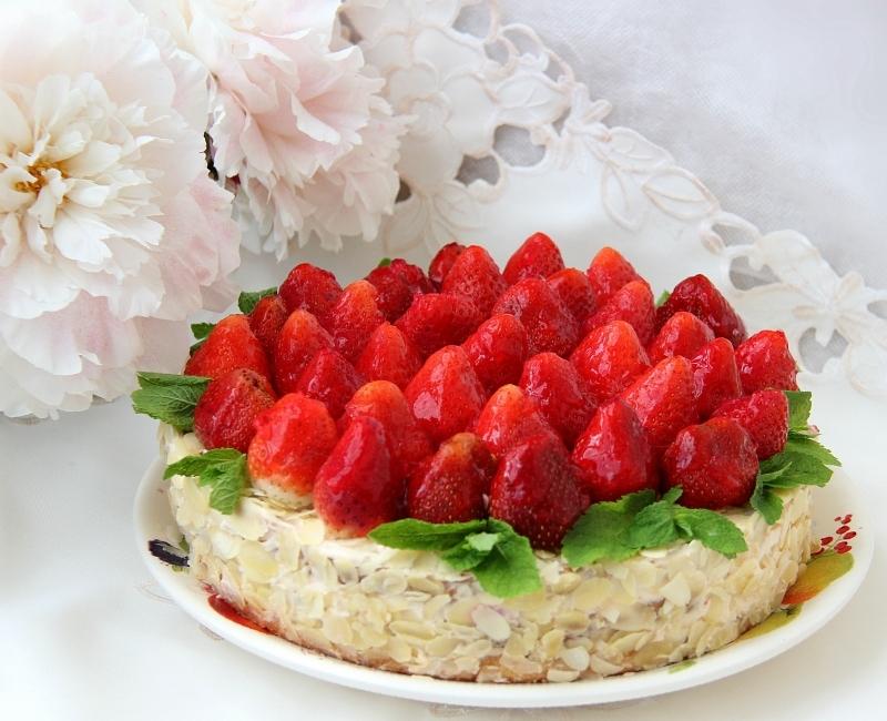 Торт с варёной сгущёнкой и фруктами фото 4