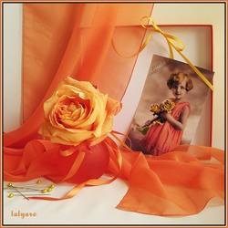 Пазл онлайн: Натюрморт с фото в оранжевых тонах