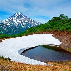 Пазл онлайн: Камчатка. Горное озеро