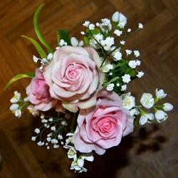 Пазл онлайн: Букет цветов из холодного фарфора
