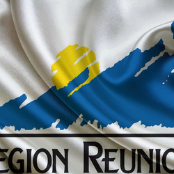 Пазл онлайн: Флаг Реюньона