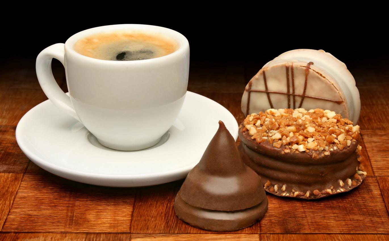 Открытки с шоколадом и кофе, про улыбку